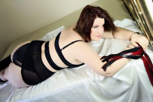 Milla escorts in Shoreview Minnesota