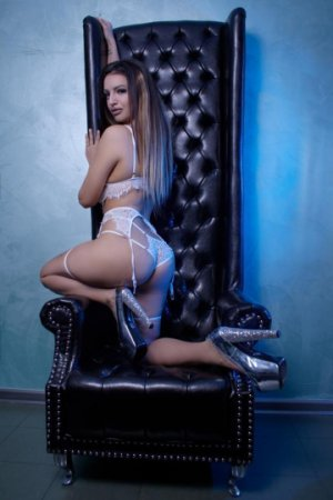 Marie-france incall escorts in Owatonna MN